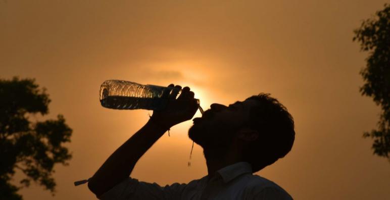 نشرة إنذارية: موجة حر تضرب عدة مناطق بالمملكة إلى غاية يوم الثلاثاء