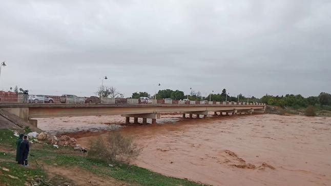 إنقاذ خمسة أشخاص كانوا محاصرين عند مصب واد سوس