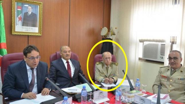جدل حول وفاة غامضة لجنرال جزائري عثر عليه داخل سيارته
