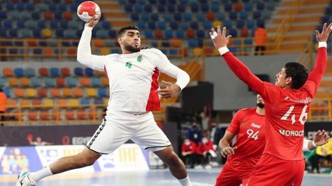 المنتخب الجزائري يخطف الفوز من نظيره المغربي في كرة اليد