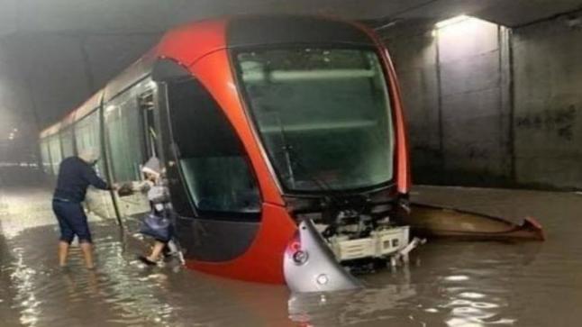 توقف حركة الترامواي من جديد في الدار البيضاء بسبب الأمطار الغزيرة