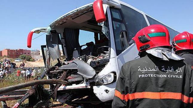 وفاة شخصين وإصابة 30 آخرين في حادث انقلاب حافلة لنقل المسافرين بالقنيطيرة
