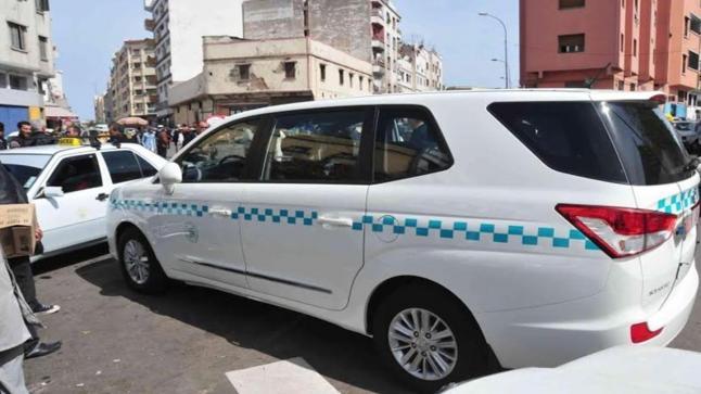الدار البيضاء.. أصحاب الطاكسيات يطالبون بالعودة إلى ستة ركاب