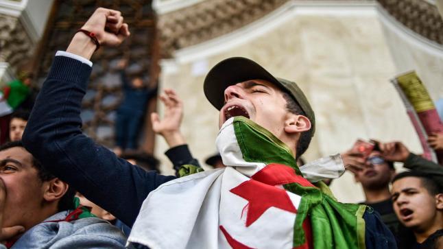 الاعتقالات بالجملة بعد محاولة تنظيم مسيرة احتجاجية في العاصمة الجزائرية