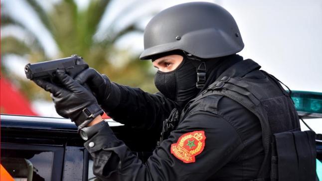 الأمن الوطني.. إشهار الأسلحة الوظيفية لتوقيف شخصين من ذوي السوابق