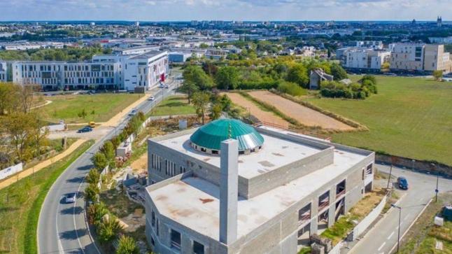 نقل ملكية رابع أكبر مسجد إلى المغرب يثير جدلا في فرنسا