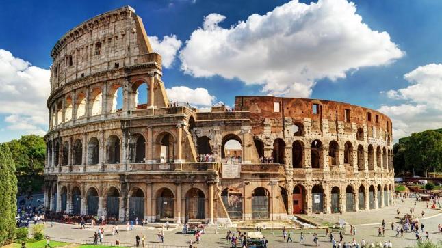 إيطاليا تقرر فتح حدودها لإنقاد موسمها السياحي