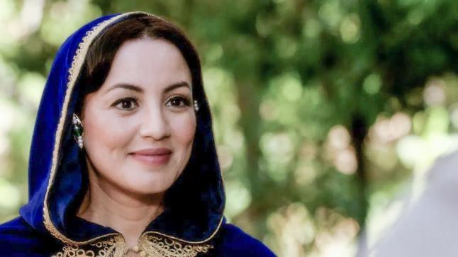 سناء عكرود توصي متابعها بالإنحراف