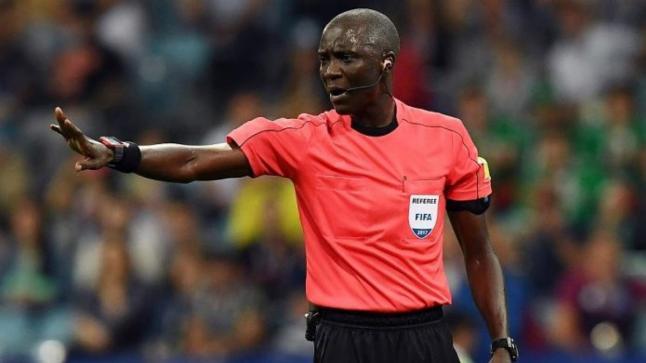 الكاف يرفض تعيين طاقم تحكيمي عربي في مباريات نصف نهائي الأبطال