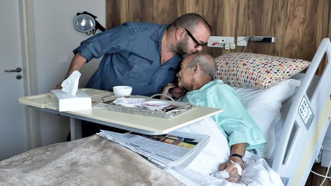 الملك محمد السادس يبعث برقية تعزية ومواساة إلى أرملة المرحوم عبد الرحمان اليوسفي