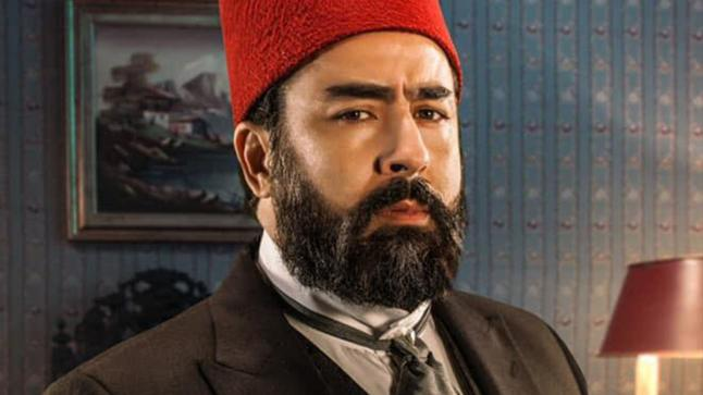 """النجم المغربي ربيع القاطي يتألق في شخصية """" سليمان باشا الباروني"""""""