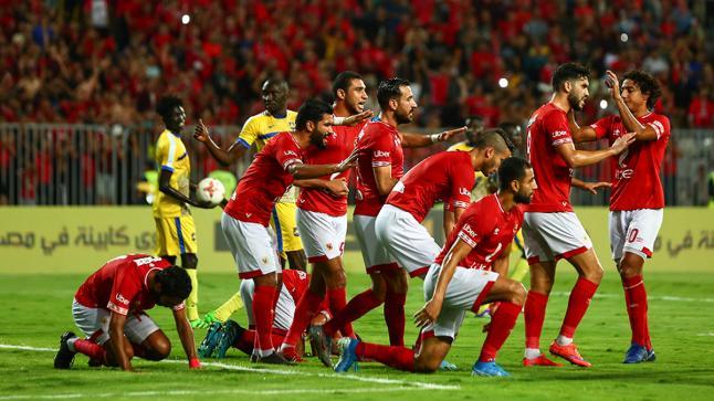 الأهلي المصري يطالب باستكمال الدوري المصري