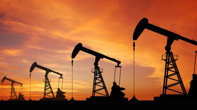 أسعار النفط تصعد 3% وهبوط في انتاج الخام