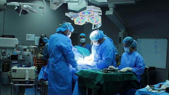 الفقيه بن صالح :نجاح عملية جراحية لاستبدال كتف بشري بأخر اصطناعي