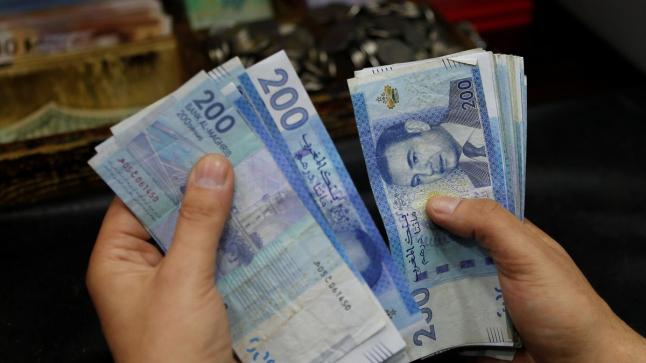 تحسن سعر صرف الدرهم أمام الدولار مقابل تراجعه أمام الأورو
