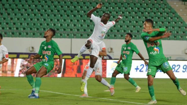 الرجاء الرياضي يعود لصدارة الدوري المغربي بعد 24 ساعة من انفراد الوداد بها