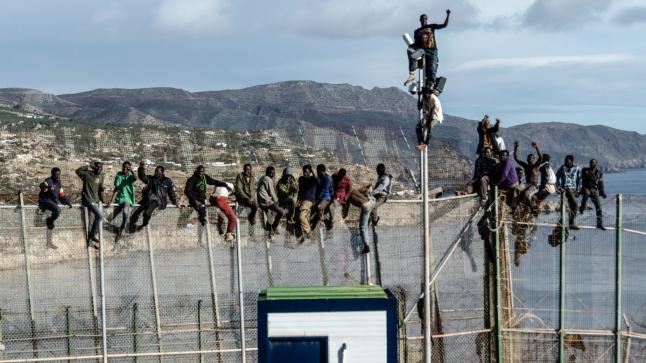 إسبانيا تقرر بناء جدار جديد حول سبتة و مليلية المحتلتين