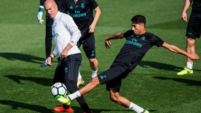 زيدان كان وراء خروج حكيمي من ريال مدريد بطريقة غير مباشرة