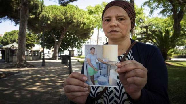 بالفيديو … أمن ألميريا الإسبانية يقتل شاب مغربي على طريقة مقتل الأمريكي جورج فلويد