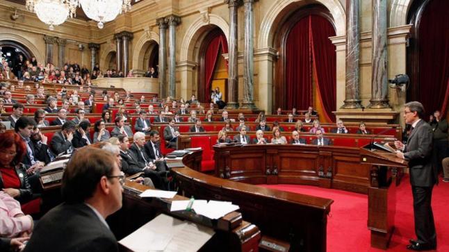 """حزب إسباني يشدد على أهمية المغرب في المنطقة ويؤكد """"للبوليساريو"""" أن الإنفصال مستحيل"""