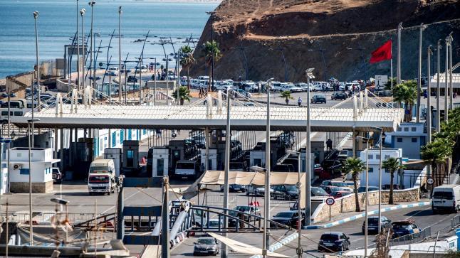 ترحيل المغربيات العالقات في سبتة المحتلة، وإسبانبا تغلق الحدود من جديد