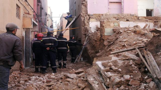 إنهيار بناية آيلة للسقوط في المدينة العتيقة بالبيضاء