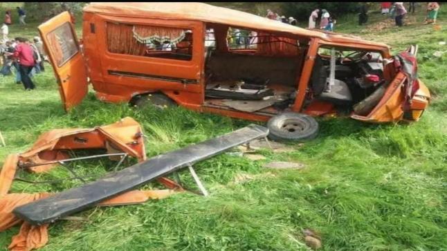 مصرع فتاة وإصابة 16 شخصا في حادث انقلاب حافلة بوزان